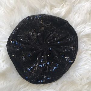 Girls sequence beret hat size m/l nwot